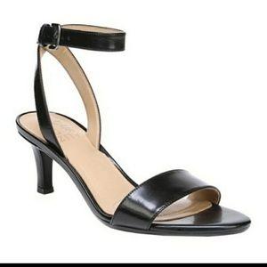 """NWOT Naturalizer """" Tinda """" ankle strap sandals"""